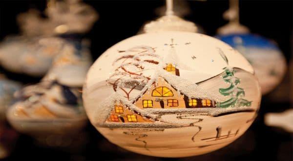 Schmuckbild Weihnachtskugel